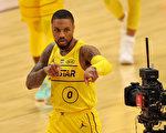 NBA里拉德大号三分 詹皇队全明星赛称王