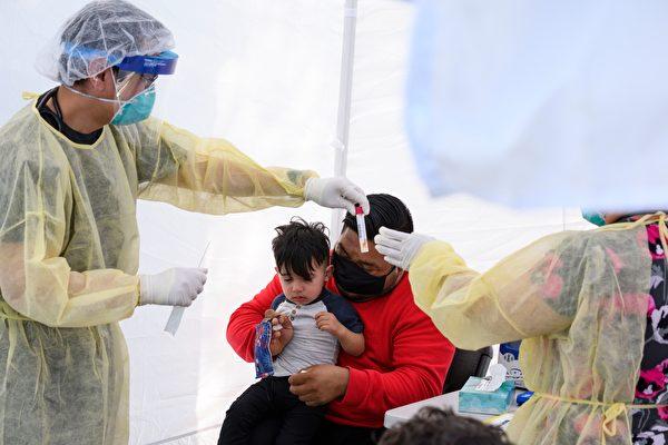加州获联邦医疗资助 扩大低收入学生免费病毒检测