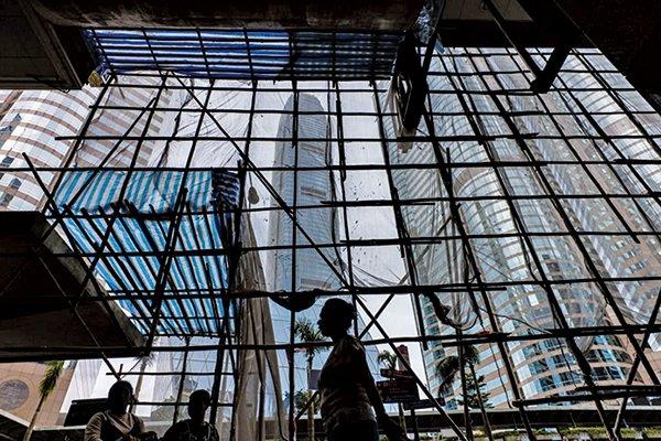 香港PMI升逾50 客戶消費審慎