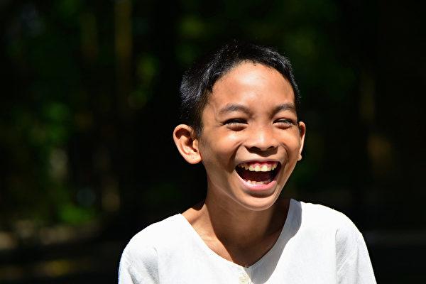 笑有延年益寿、提升免疫力等好处。(Shutterstock)