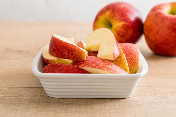 正确吃水果能减肥,营养师推荐5种水果,热量低还有饱足感。(Shutterstock)