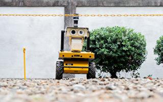 自驾车出任务 台电巡检机器人快速安检