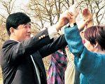 复活节来临 瑞典学员忆李洪志大师传功讲法