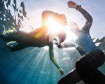 在水中闭气24分 克罗埃西亚男子创世界纪录