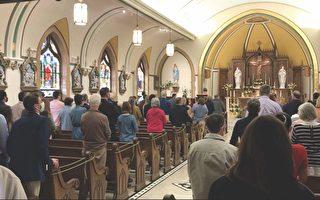 疫情下庆祝复活节 美国民众渐恢复教堂礼拜