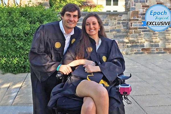 相识不久 女大学生四肢瘫痪 男友不离不弃