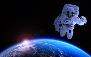 太空人在外太空会哭吗?
