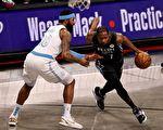 NBA常规赛:洛杉矶湖人残阵客场轻取篮网