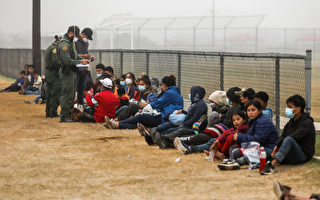 拜登承認邊境移民潮是「危機」 將增難民上限