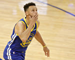 NBA常规赛:勇士赢球难 湖人掀翻联盟第一