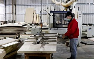 劳动部助企业返嘉扎根 传统家具厂拼转型
