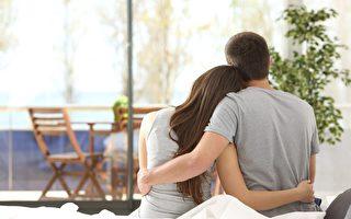 妻子六年每天留便条给失忆的丈夫:彼此深爱