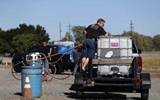 组图:加州持续干旱 居民取用再生水