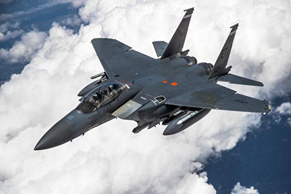 美空军最新型F-15战机到底有多隐形?