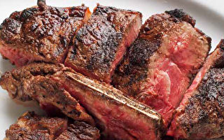 澳洲熟成紅屋牛排 撒鹽胡椒就能吃得很滿足
