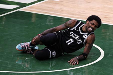 NBA三巨頭又傷一員 雄鹿東區準決賽扳平