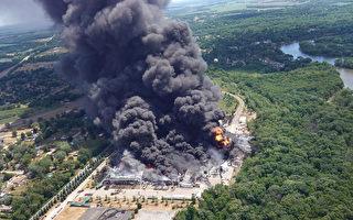 組圖:伊利諾伊州工廠大火 目前無人傷亡
