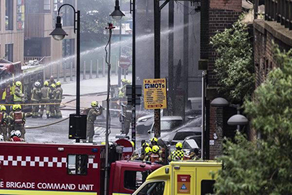 组图:英国伦敦车站大火 至少六人受伤
