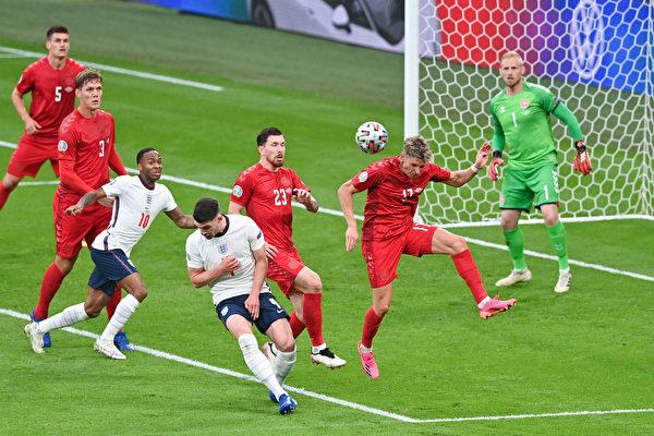 组图:欧洲杯足球半决赛 英格兰2:1胜丹麦