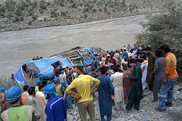 巴基斯坦汽車爆炸釀13死 含9名中國公民