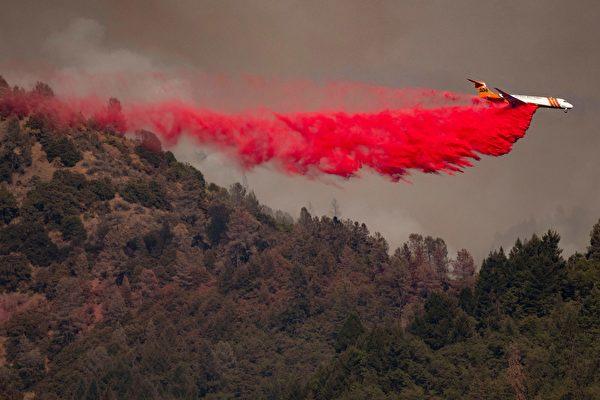 北加州天堂镇附近 又一野火肆虐