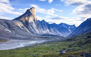 世界最高垂直岩壁在加拿大 能登顶者极少