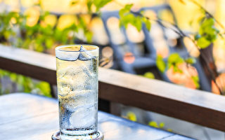 女性吃冰体内易生湿气,带来许多伤害。(Shutterstock)