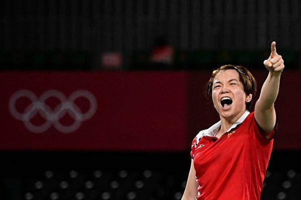 东奥7.28 大陆羽毛球选手陈清晨疑赛场爆粗惹议
