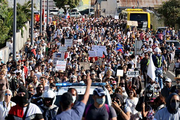 拒「健康通行證」 歐洲多國爆大規模抗議