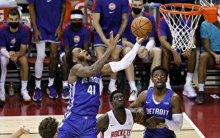 组图:NBA休斯顿火箭111:91胜底特律活塞
