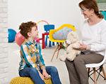 如何利用肢体语言与孩子交流:适合2~8岁