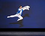 展现意境 谢帛谚以中国古典舞演绎《逍遥游》