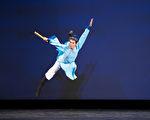 组图一:第九届中国古典舞初赛少年男子组风采