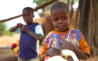 奈及利亚奇特村庄 男女说不同的语言