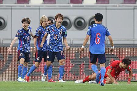 世界杯预选赛 中国男足不敌日本 遭遇两连败