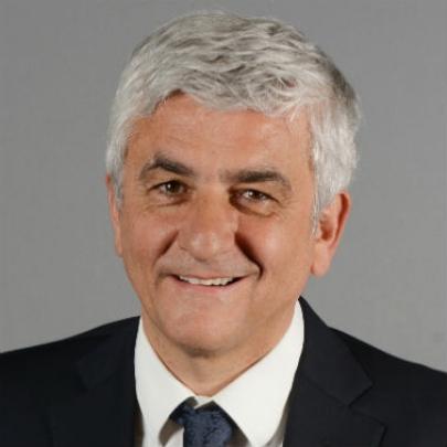 法国前国防部长表示支持法轮功
