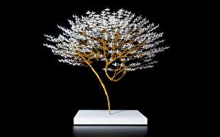 组图:艺术家用微型纸鹤创作精美盆景树