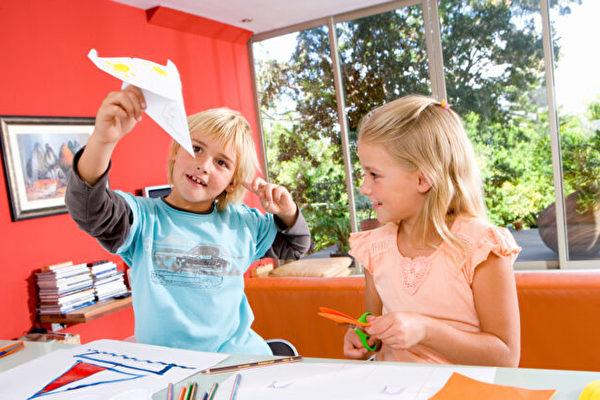 一个简单方法 增添在家教育的乐趣