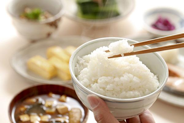 澱粉類食物是三餐中的最大陷阱,吃太多可能造成記憶減弱。(Shutterstock)