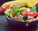 研究发现,引起癌症的最大原因,是饮食习惯。(Shutterstock)