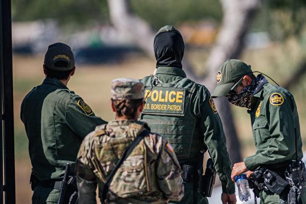 美國民兵進駐德州邊境縣 幫助阻止非法移民