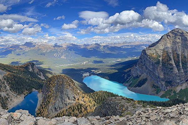 行走的秋意 加拿大露易斯湖登高