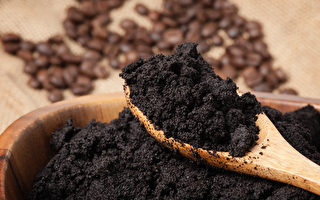 咖啡渣有吸濕除臭、居家清潔的妙用。(Shutterstock)