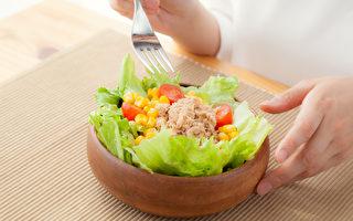 间歇性断食的好处不止减肥,还可提升免疫力、增强记忆力。(Shutterstock)