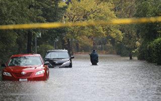 美国西岸遭遇强风暴袭击 数十万用户断电