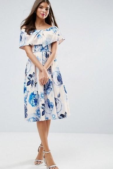 帶有迷人的花卉圖案的連衣裙,輕鬆浪漫(ASOS提供)