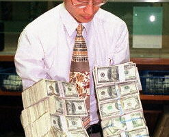 專家分析美元將大幅貶值 亞洲國家將是輸家