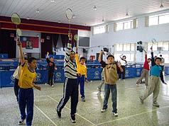 老师庄文钦自建羽球馆供学生练习