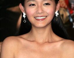 徐熙媛面对双重压力 电视版《夜半歌声》开机