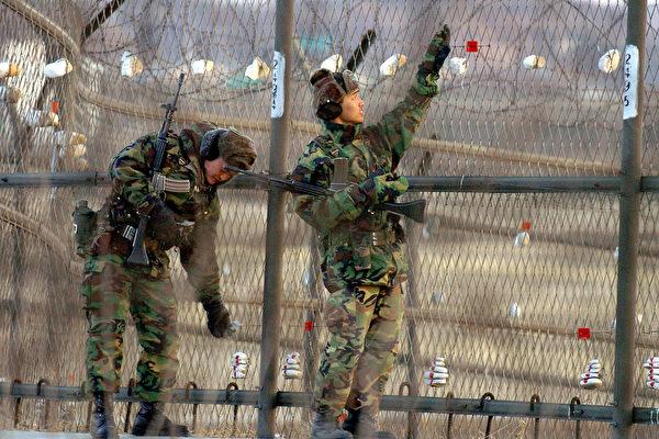 2月10日韩国军队在南北韩边境上巡逻。(AFP)